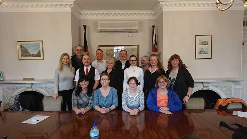 Gruppenbild der SABEL und GBS Lehrkräfte bei der PDP Lehrerfortbildung in London