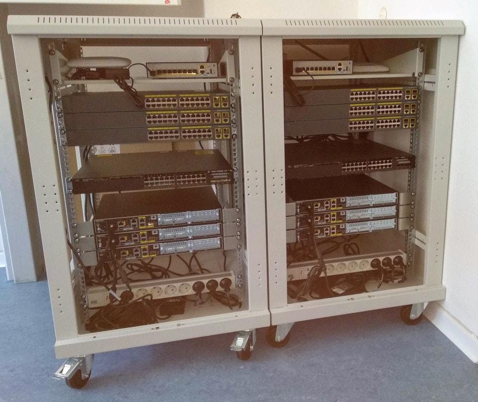 fahrbare Cisco-Racks
